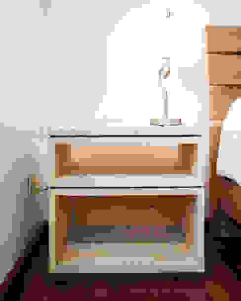 Dormitorios de estilo  por C+C | STUDIO