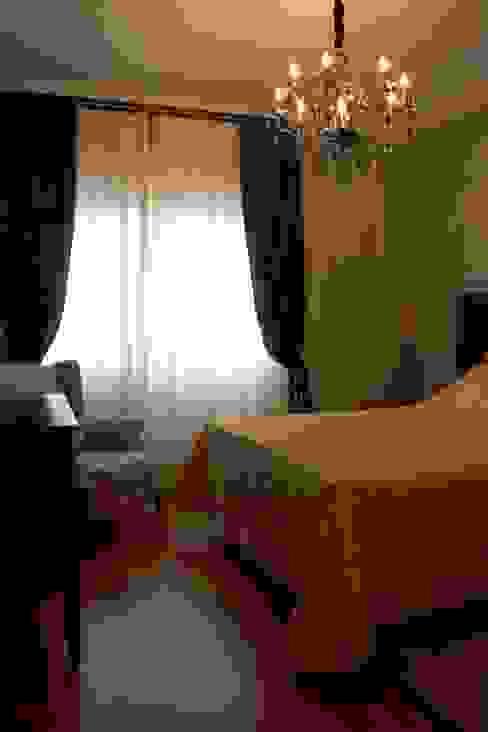 Classic style bedroom by MONICA SPADA DURANTE ARQUITETURA Classic