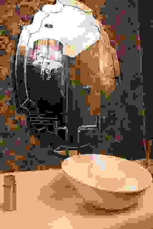 Classic style bathroom by MONICA SPADA DURANTE ARQUITETURA Classic