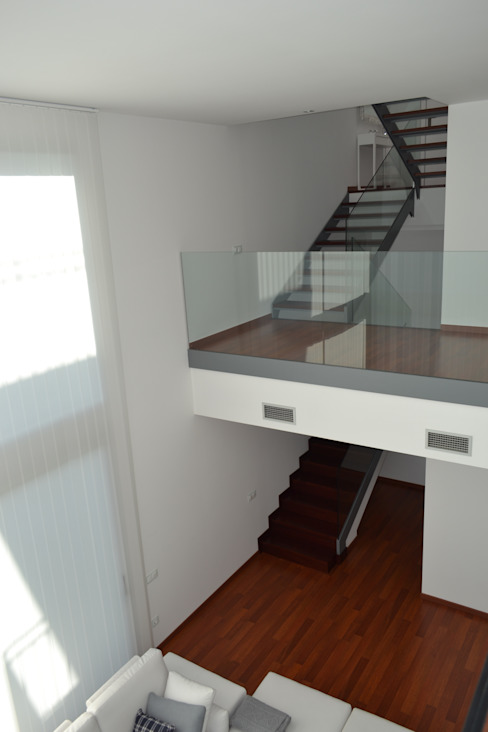 Vivienda Unifamiliar en Rubí Pasillos, vestíbulos y escaleras de estilo moderno de SRS Arquitectura y Urbanismo SLP Moderno