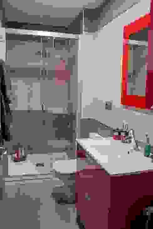 Ático 45 m² Baños de estilo clásico de Karol Pidal Clásico