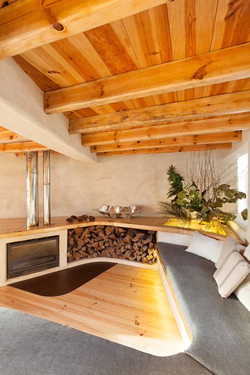 Country style living room by pedro quintela studio Country