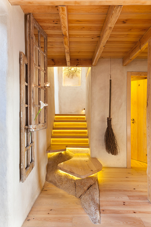THE AZÓIA´S JEWEL pedro quintela studio Country style corridor, hallway& stairs Wood effect
