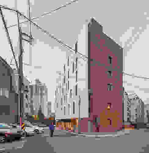 Modern houses by Strakx associates Modern