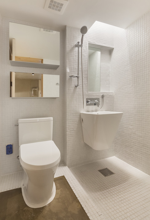 Woonam Urban Housing 모던스타일 욕실 by Strakx associates 모던