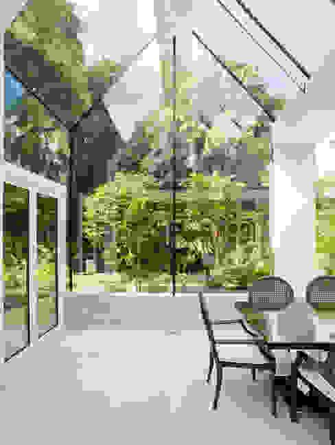 Structural Glass Conservatory, Cornwall Moderne serres van The Bazeley Partnership Modern Glas
