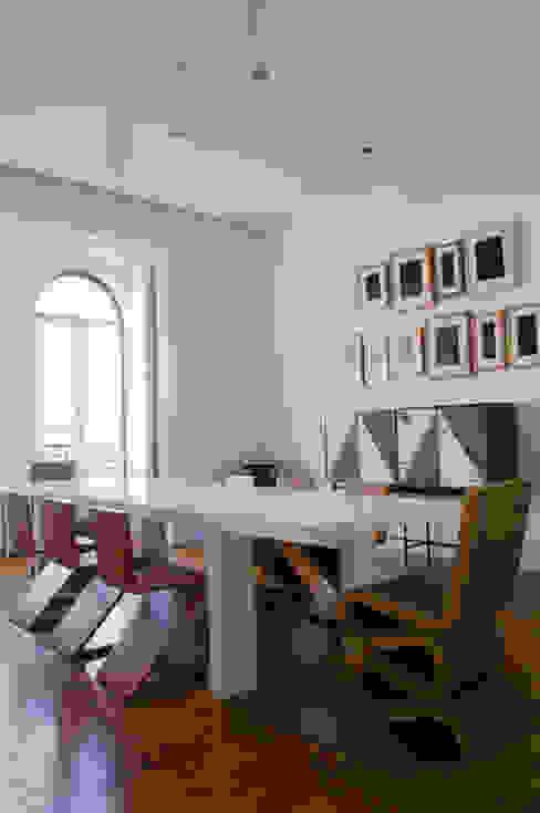 Casa JCSP_1 Salas de jantar modernas por XYZ Arquitectos Associados Moderno