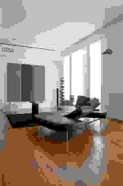 Casa JCSP_3 Salas de estar modernas por XYZ Arquitectos Associados Moderno