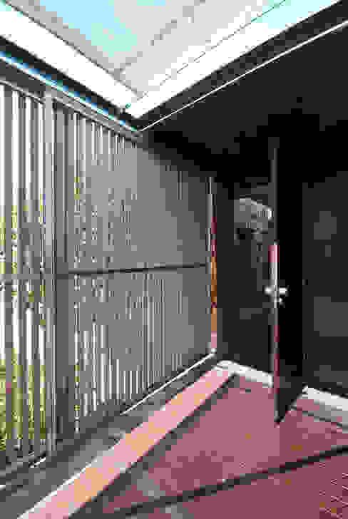 casa em ponte de lima: Terraços  por armazenar ideias arquitectos