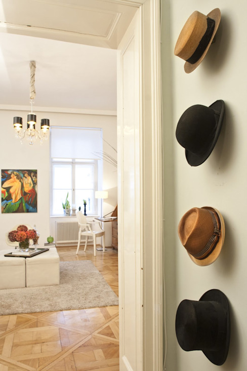 Apartment Wien Naschmarkt Klassischer Flur, Diele & Treppenhaus von Christian Hantschel Interior Design Klassisch