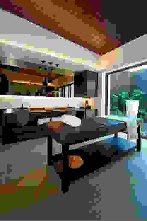 PA Villa Modern bathroom by Atelier Design N Domain Modern