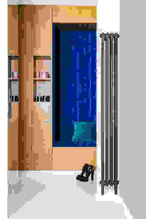 Ayuko Studio Koridor & Tangga Minimalis Kayu Blue