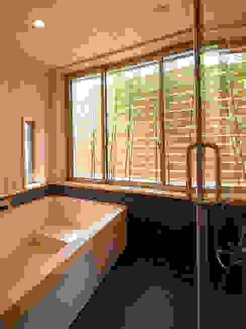 Modern bathroom by 一級建築士事務所 Eee works Modern
