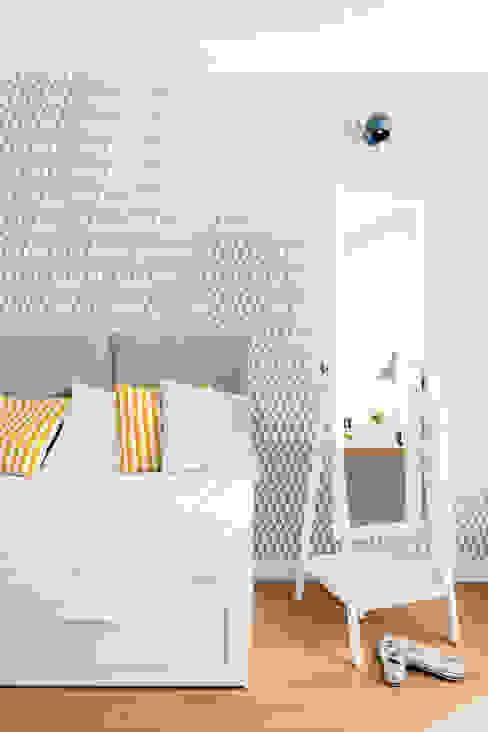 Our photoshoot fo JT Grupa Architects Nowoczesna sypialnia od homify Nowoczesny