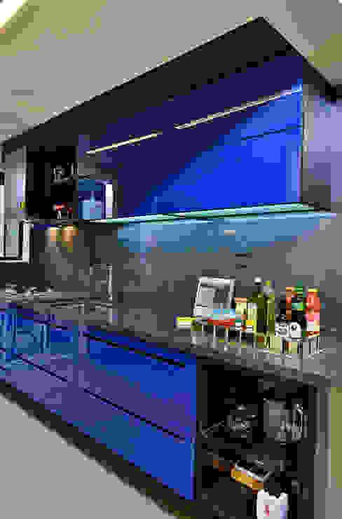 Кухни в . Автор – Edílson Campelo Arquitetura,