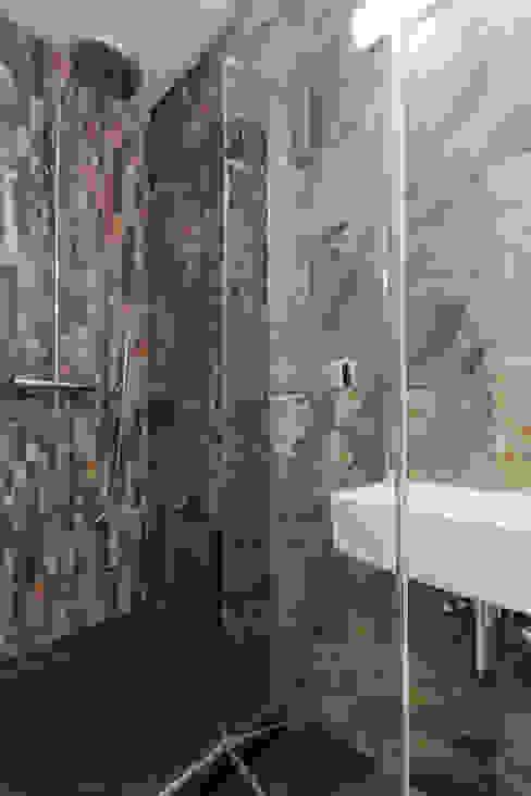 Гостевой санузел Ванная комната в стиле минимализм от homify Минимализм