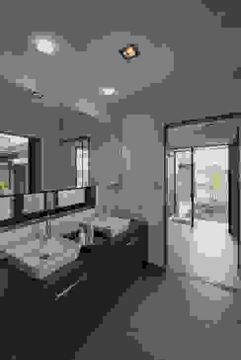 에클레틱 욕실 by 空間設計室/kukanarchi 에클레틱 (Eclectic)
