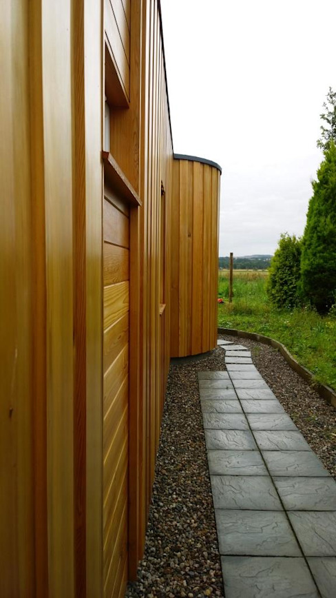 Timber clad extension Дома в стиле модерн от Architects Scotland Ltd Модерн Дерево Эффект древесины