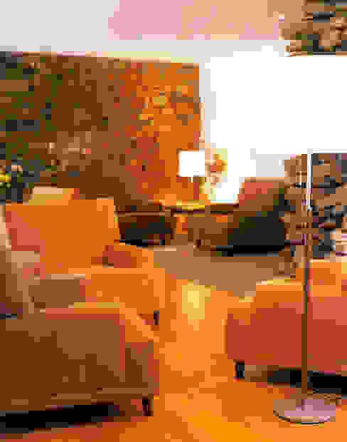 """Turismo rural """"Casa de Santa Cruz"""" em Trás-os-Montes Salas de estar rústicas por Miguel Guedes arquitetos Rústico"""