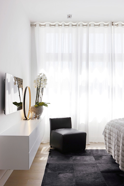 Appartement aan Zee:  Slaapkamer door Grego Design Studio