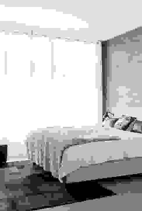 Appartement aan Zee:  Slaapkamer door Grego Design Studio,