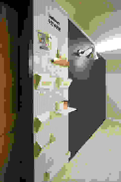 네 가족이 사는 심플모던스타일의 집_48py: 홍예디자인의  아이방,모던