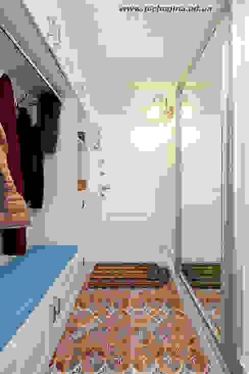 Corridor, hallway by homify, Eclectic