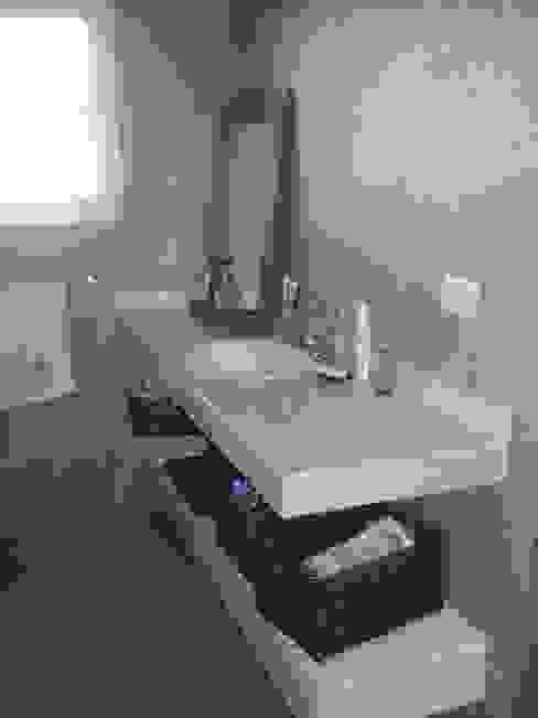 Baño dormitorio principal Baños de estilo rústico de Fainzilber Arqts. Rústico