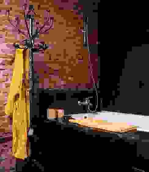Nowoczesna łazienka od MILLENIUM ARCHITECTURE Nowoczesny