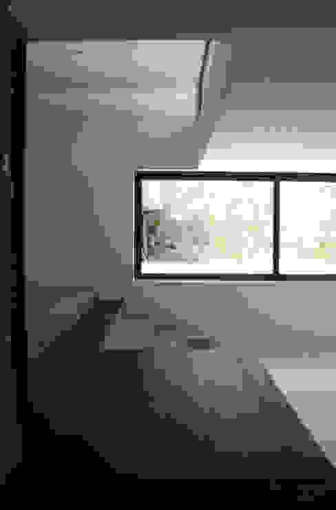 TRAMA arquitetos:  tarz Oturma Odası,