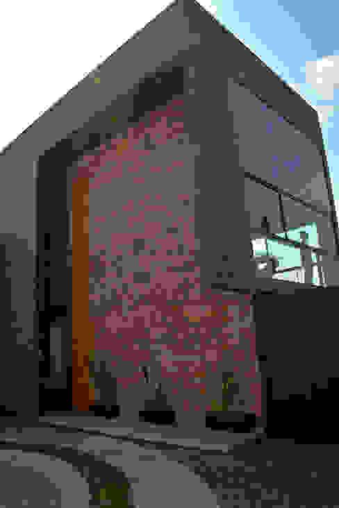 Sol 25_19 Proyecto Cafeina Casas industriales Piedra Marrón
