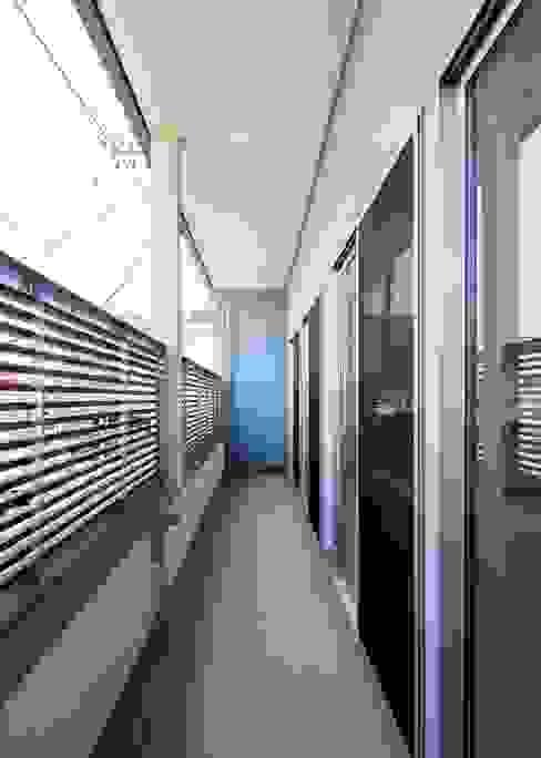 バルコニー: Unico design一級建築士事務所が手掛けたテラス・ベランダです。,オリジナル