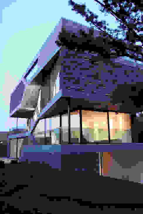Ruang Keluarga Modern Oleh Loxodrome design&innovation Modern
