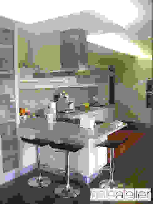 Casa TENEDÓRIO, Loivo: Cozinhas  por SOLE ATELIER, LDA,