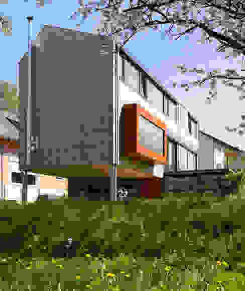 Cherry Blossom House (German Passivhaus) Modern terrace by ÜberRaum Architects Modern