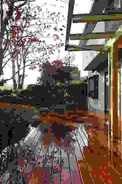 テラス オリジナルデザインの テラス の 竹内建築設計事務所 オリジナル