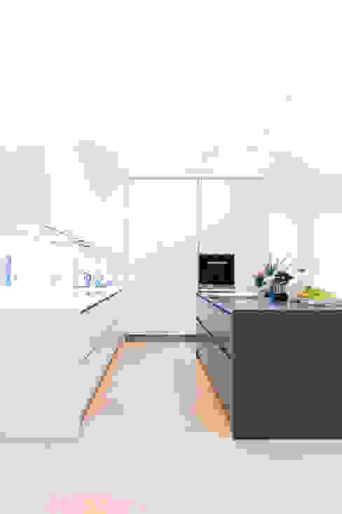 Modern Kitchen by STUDIO 54 Ziviltechniker GmbH Modern