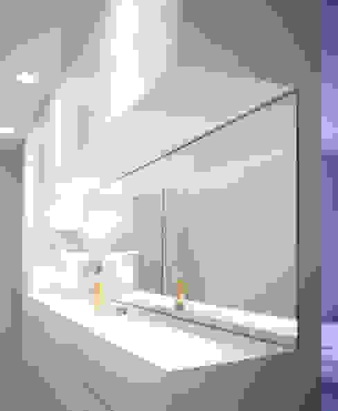 Closets de estilo moderno de MELANIE LALLEMAND ARCHITECTURES Moderno