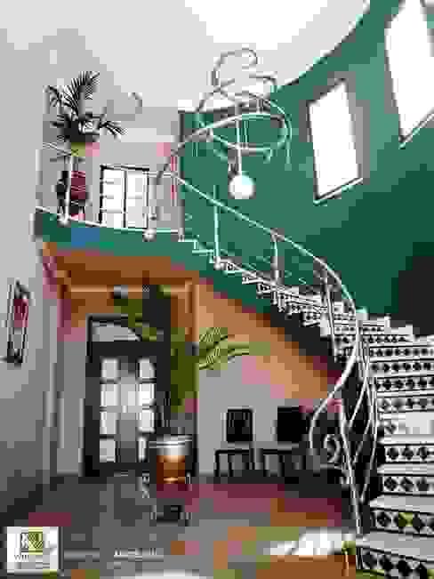 VELLOCINOS Modern Corridor, Hallway and Staircase Amber/Gold