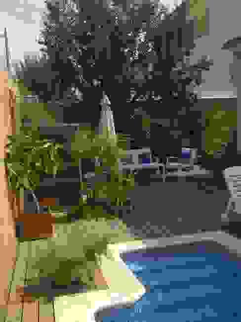 Jardines pacodelgado / decorador Jardines de estilo moderno