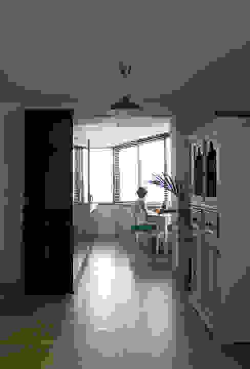 Apartamento BAC: Cozinhas  por URBAstudios,