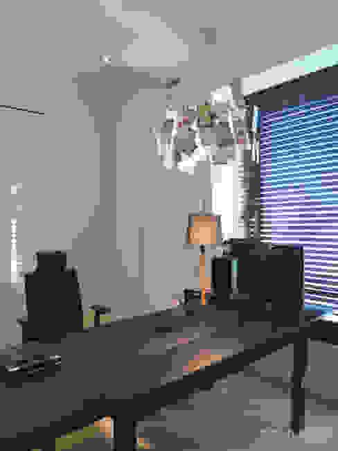 인테리어 사무실 인테리어_홍예디자인: 홍예디자인의  서재 & 사무실,모던