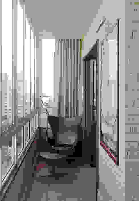 Квартира в ЖК на улице Дружбы Балконы и веранды в эклектичном стиле от MARION STUDIO Эклектичный