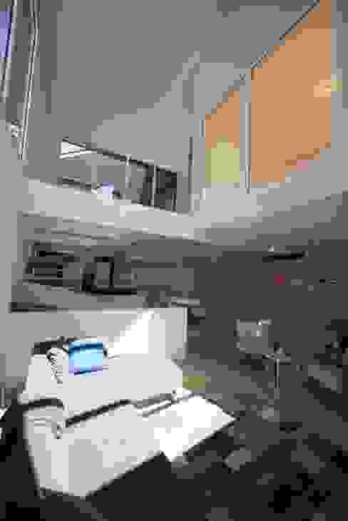 Deux Loft- extension Salon moderne par phenome architectures Moderne