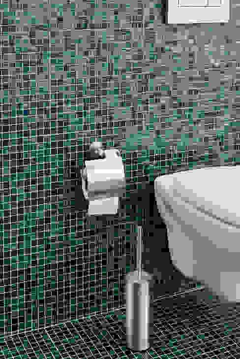 Casas de banho modernas por homify Moderno Vidro