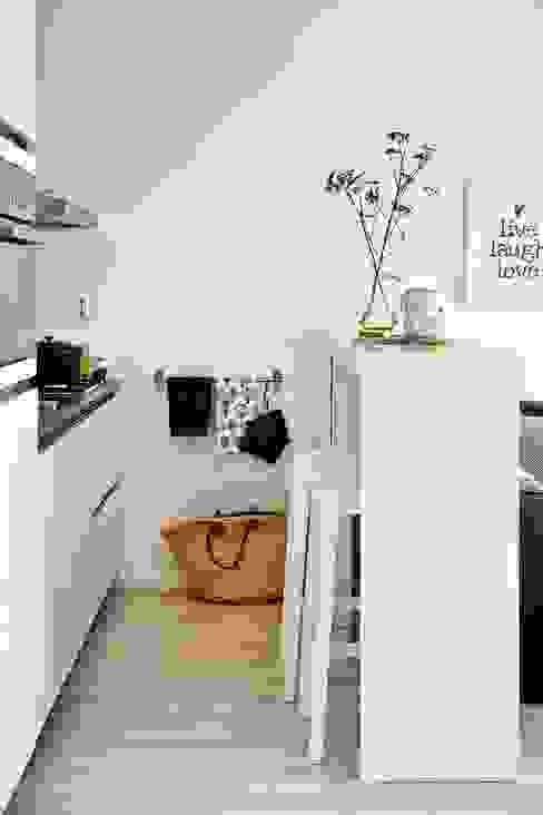 modern  oleh Casa de Valentina, Modern