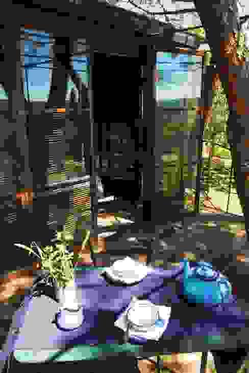 Casa sull'albero - Tree House Riccardo Barthel Balcone, Veranda & Terrazza in stile moderno