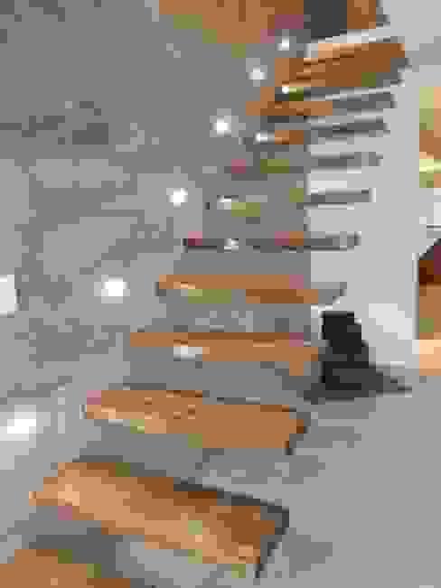 Estudio A+I Koridor & Tangga Modern Parket