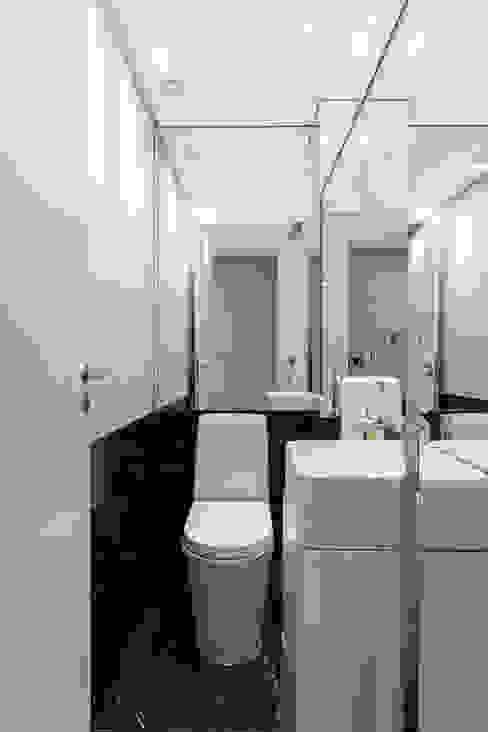 B+R Arquitetura BathroomSinks