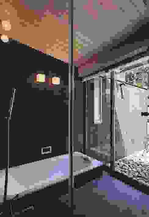 出石町の家 モダンスタイルの お風呂 の 一級建築士事務所 有限会社NEOGEO(ネオジオ) モダン